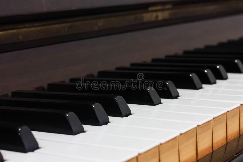 一些木钢琴瓦片的侧视图图象 图库摄影