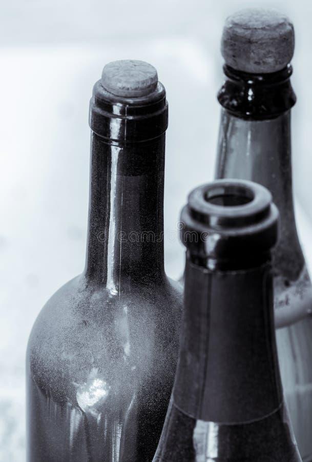 一些非常老酒瓶 库存图片