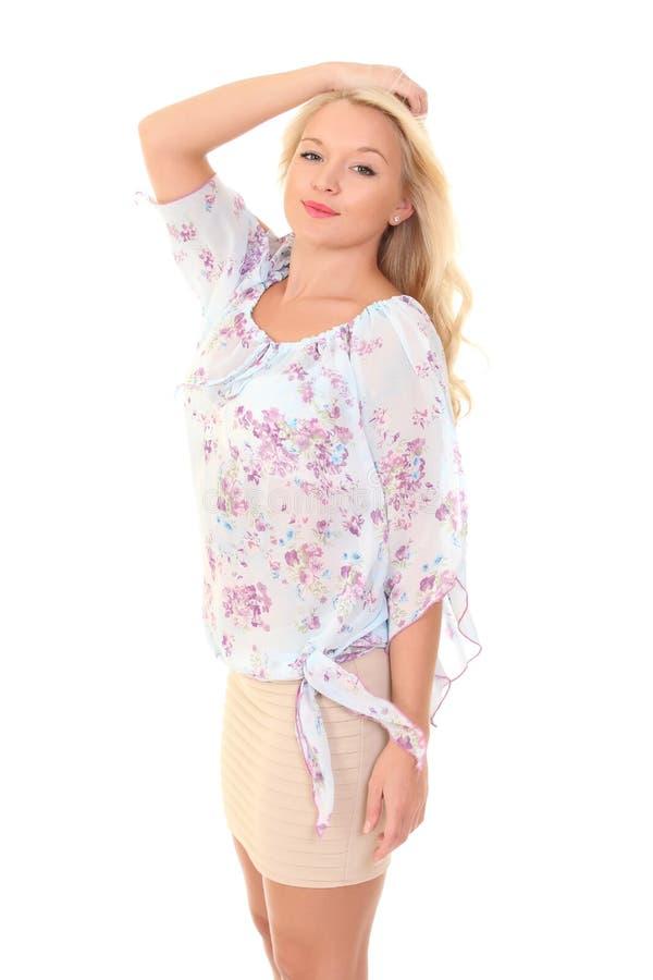 一件轻的夏天女衬衫的年轻金发碧眼的女人 库存图片