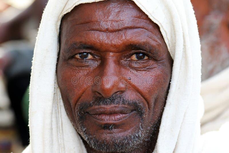 一位在远处农夫的画象在埃塞俄比亚 免版税库存照片