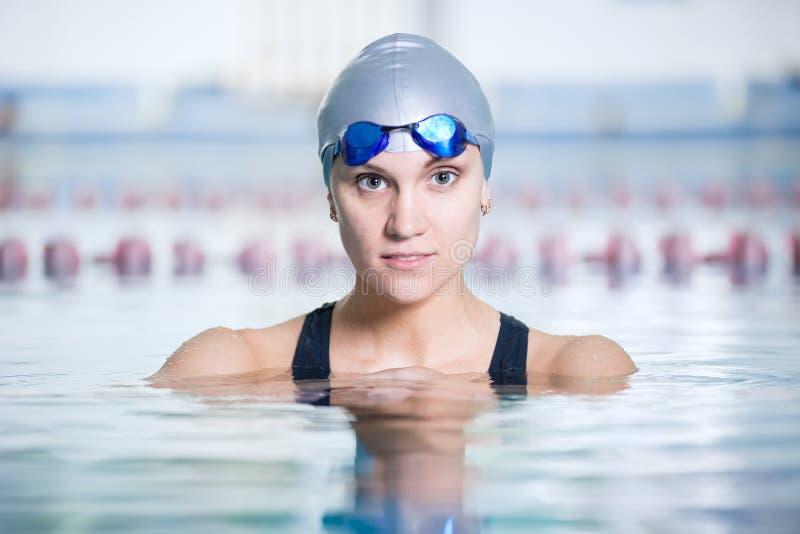 一位女性游泳者的画象 库存图片
