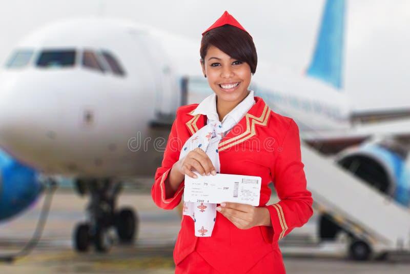 一位年轻空中小姐的画象 免版税图库摄影