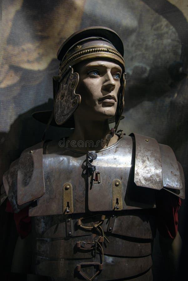 一位战士的以色列拿撒勒18-05-2019画象有配比的衣物的,从罗马时期,在圣经的museu能被看见 免版税库存图片