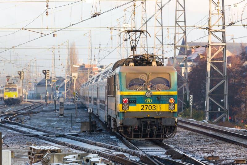 一列比利时火车在布鲁塞尔比利时 免版税库存照片
