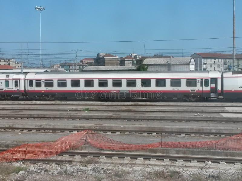 Download 一列火车 图库摄影片. 图片 包括有 岗位, 培训, 质量, 运输, 跟踪, 旅行, 教练, 公共, 铁路 - 59102017