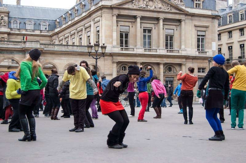 一刹那暴民舞蹈在巴黎 图库摄影
