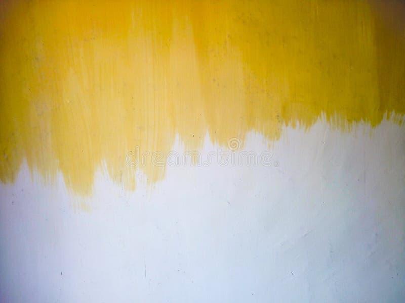 一半被绘的墙壁 库存图片