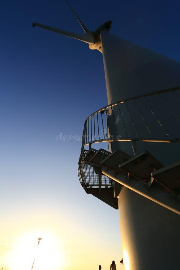 一台巨大的风车 免版税库存图片