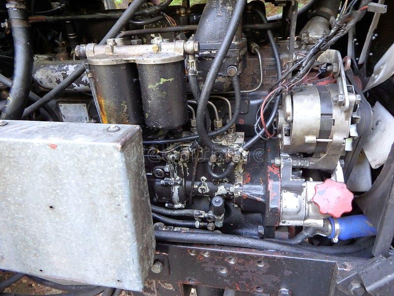 一台老拖拉机用内燃机的特写镜头 免版税库存图片