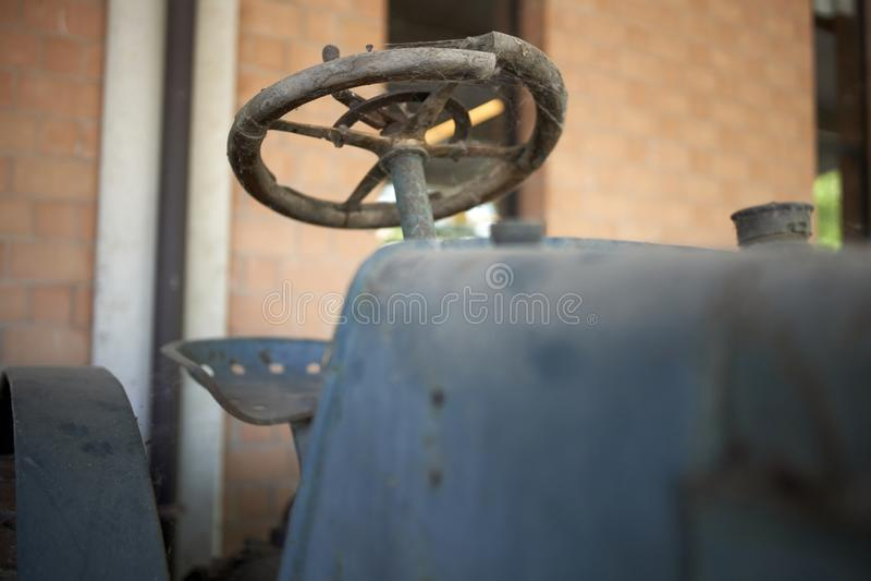 一台老拖拉机的细节 图库摄影