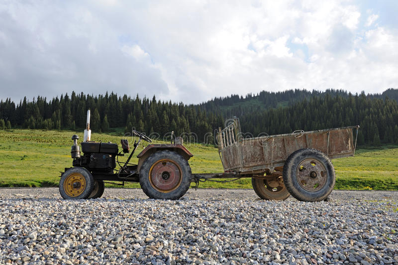 一台老拖拉机 免版税库存照片