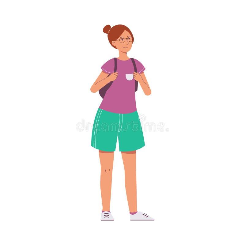 一名妇女或一个棕色毛发的妇女游人玻璃的,短裤,T恤杉和有背包的 皇族释放例证