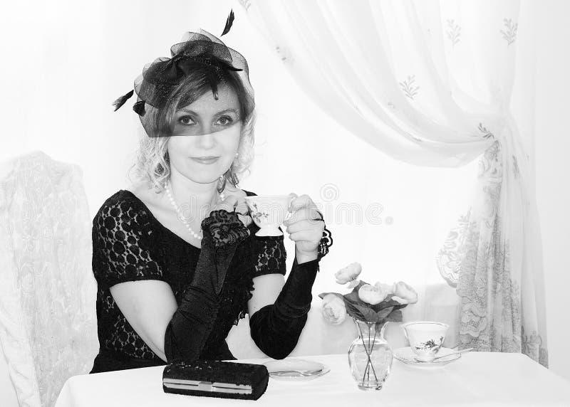 一名妇女的葡萄酒画象黑白的 图库摄影