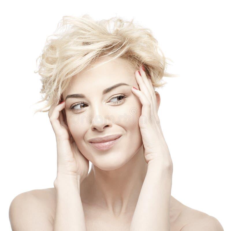 一名美丽的妇女的画象有干净的皮肤的 免版税图库摄影