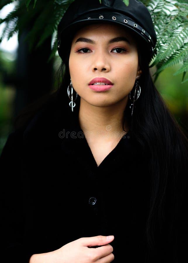 一名美丽的菲律宾妇女的画象 免版税图库摄影
