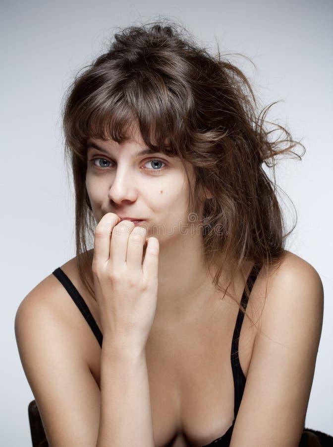 一名年轻肉欲的妇女的画象 免版税图库摄影