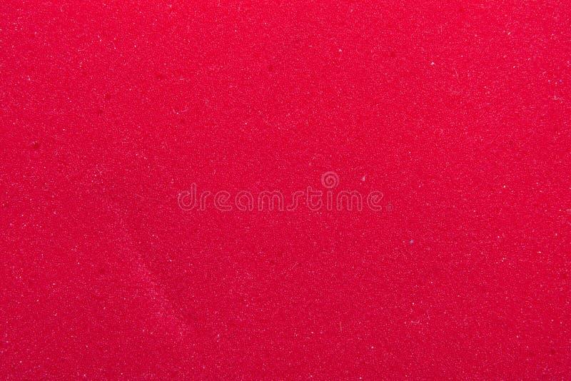 一块红色海绵的特写镜头 库存图片