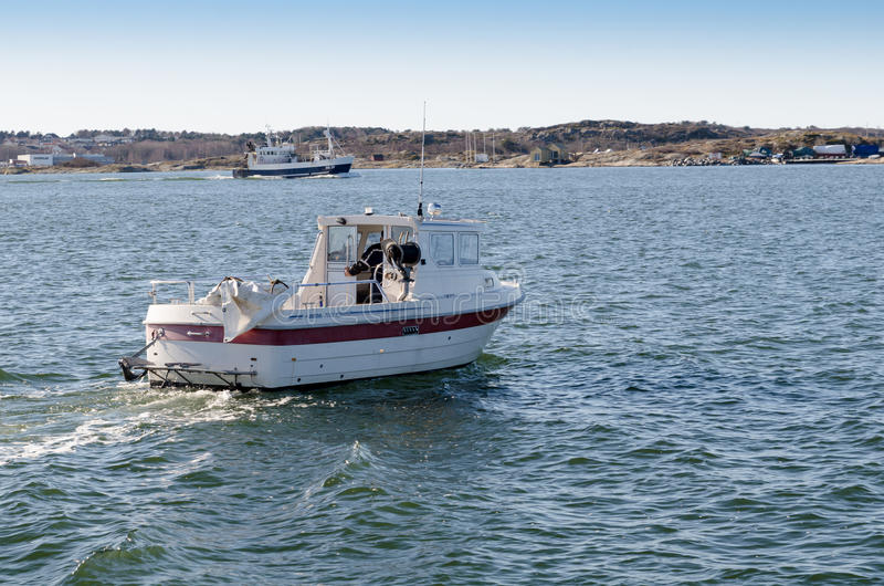 一大和一一点fishingboat 免版税库存图片