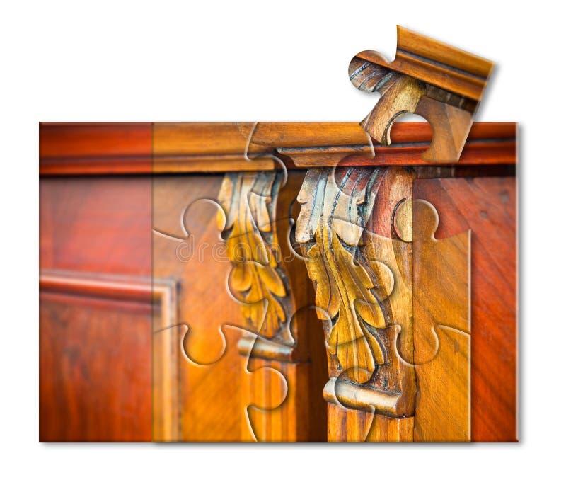 一套古色古香的意大利家具的细节恢复了-对老家具的新的生活-在拼图形状的概念图象 图库摄影