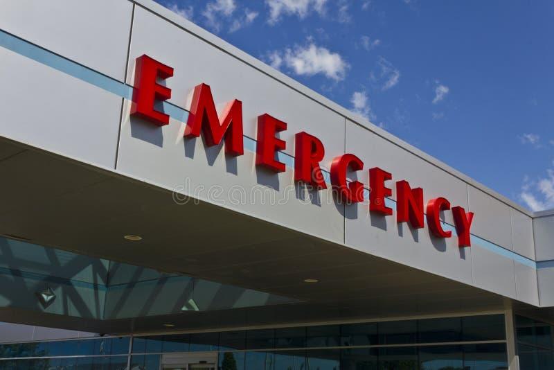 一家地方医疗医院的II红色紧急入口标志 免版税图库摄影