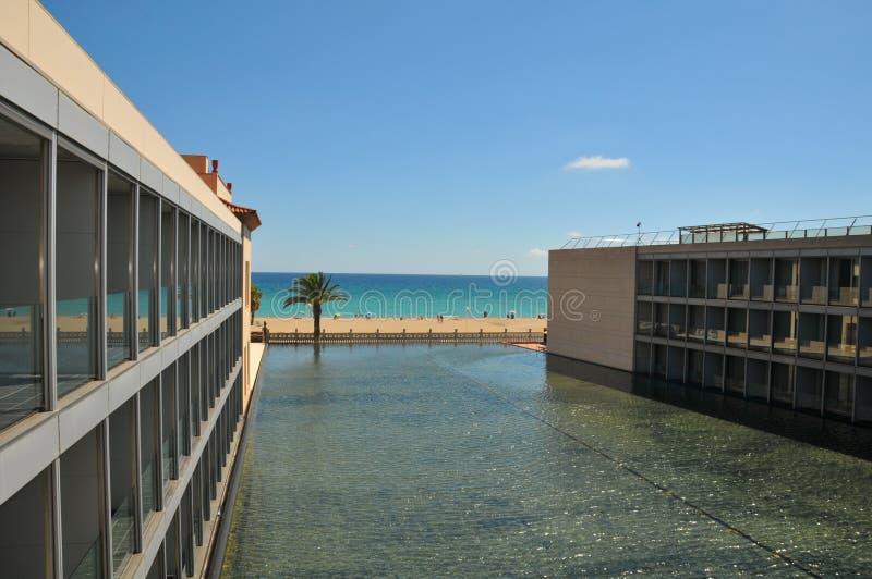 从一家旅馆的海滩视图在西班牙 图库摄影