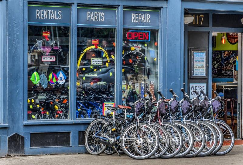一家自行车商店的前面在波特兰,俄勒冈 免版税图库摄影