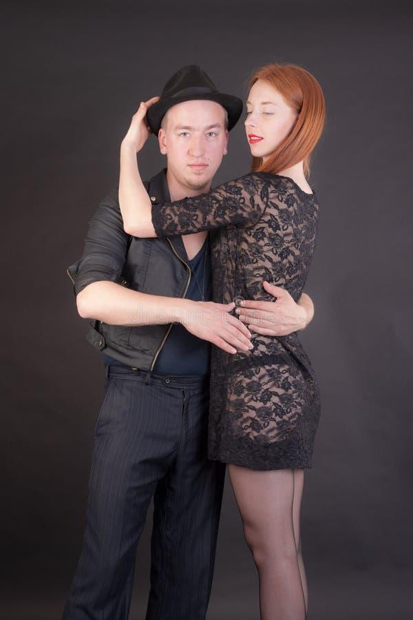 一对浪漫夫妇的画象 免版税库存照片