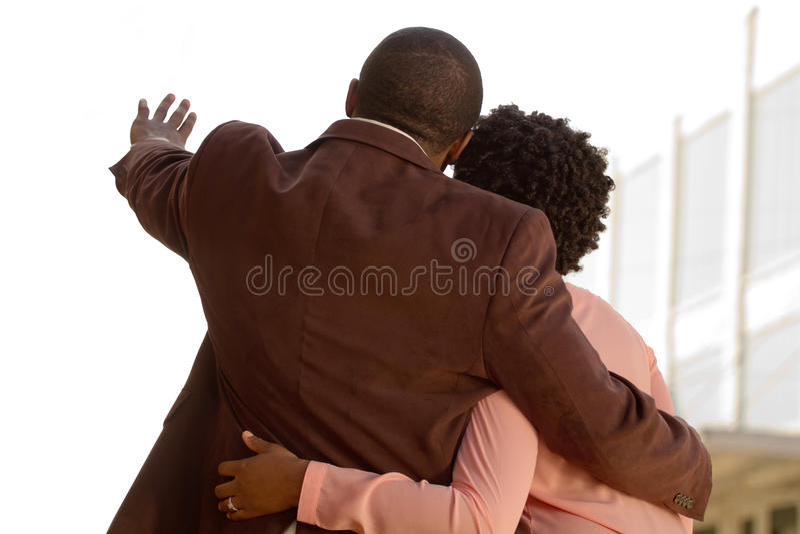 一对非裔美国人的爱恋的夫妇的画象 免版税库存照片