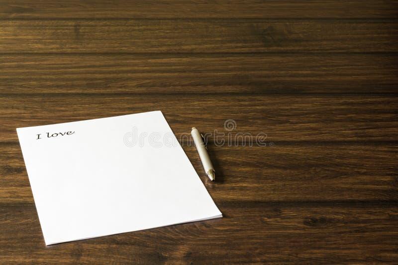 一封信件到亲人,心爱的女孩 免版税库存照片