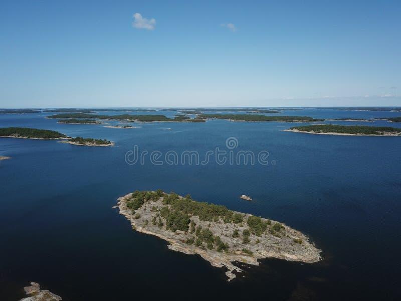 一小islang在芬兰和美好的夏天群岛  库存照片