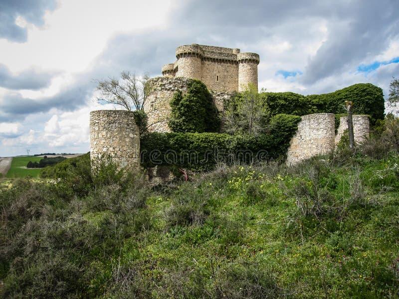 一座城堡的废墟在Sesena,卡斯蒂利亚la Mancha,西班牙 库存图片