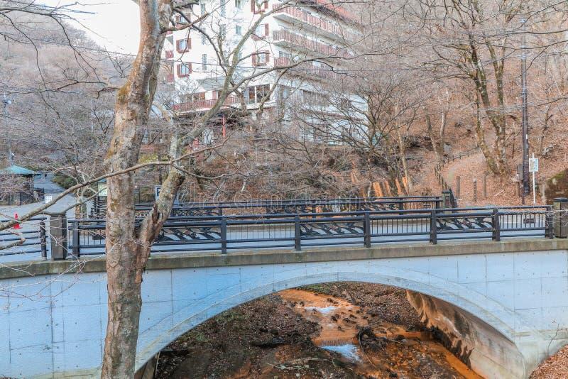 一座桥梁在秋天的伊香保Onsen是温泉镇被找出的o 免版税库存照片