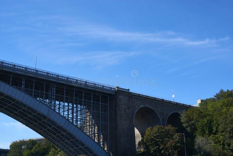 一座桥梁在纽约 库存照片
