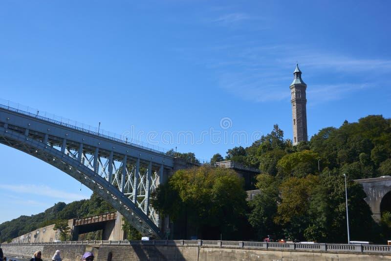 一座桥梁在纽约 库存图片