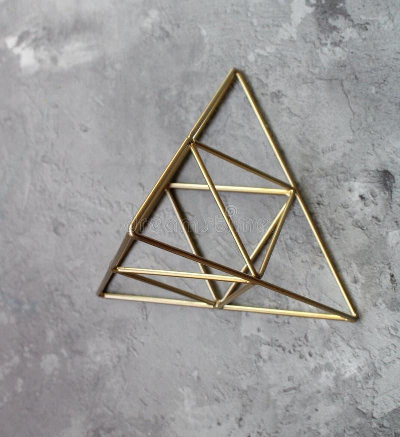 一座金黄金字塔 免版税库存图片