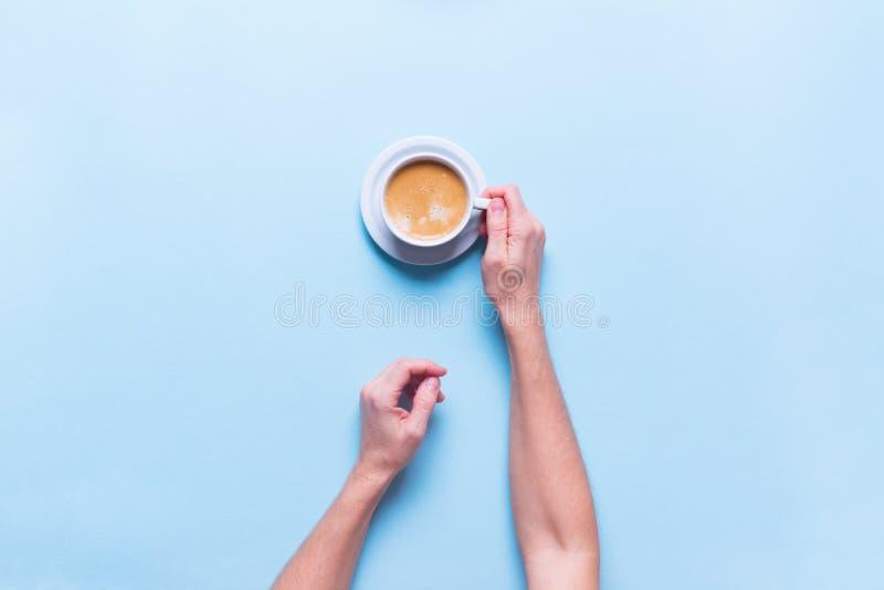 一张对象新杯咖啡颜色顶视图 库存图片