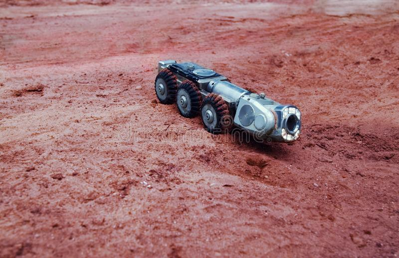 一张真正的科学幻想小说图片,在火星的一个机器 库存照片