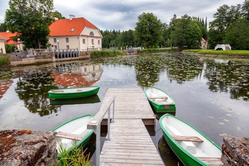一所老庄园住宅Vihula在爱沙尼亚, Lahemaa公园 美丽的su 图库摄影