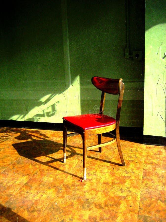一把红色餐馆椅子 免版税库存图片