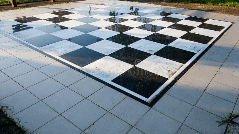 一杆巨大的棋枰在中央公园 库存照片