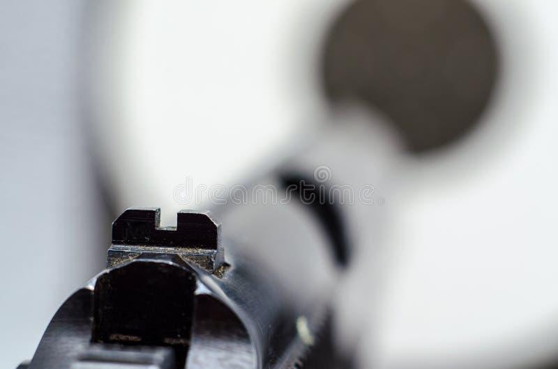 一杆老枪瞄准了目标 库存照片