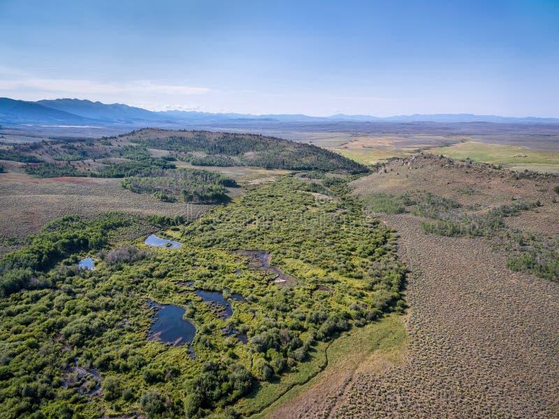 一条小河的鸟瞰图在科罗拉多 免版税库存图片