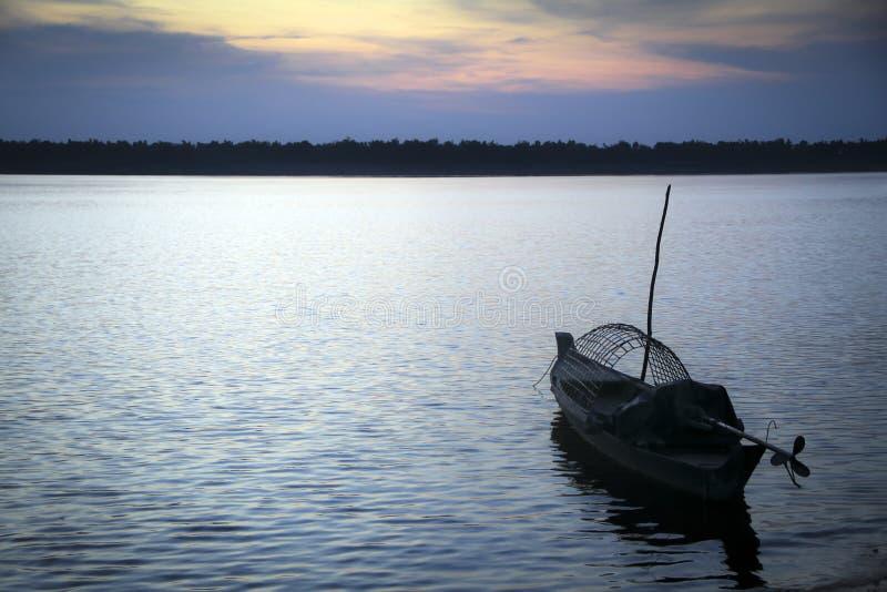 一条小船在湄公河 图库摄影
