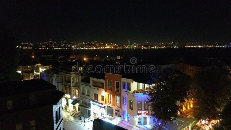 一条街道在伊斯坦布尔夜 库存照片
