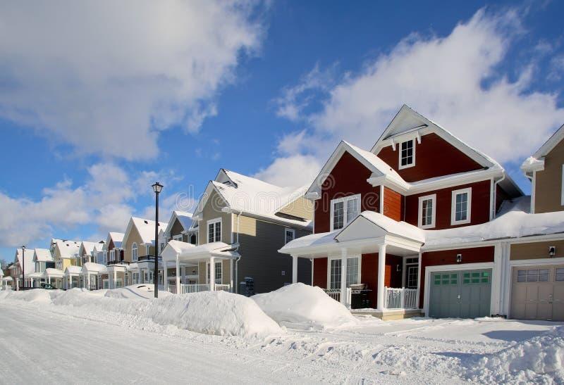 一条街道的全视图在暴风雪以后的 图库摄影