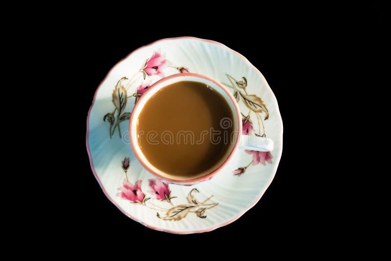一杯茶在黑背景的 免版税库存照片