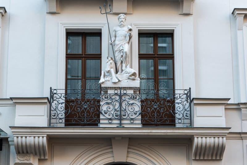 一栋居民住房的阳台在莱比锡,德国 免版税库存图片