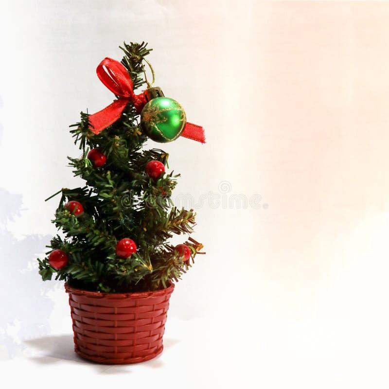 一棵人为圣诞树 免版税库存图片