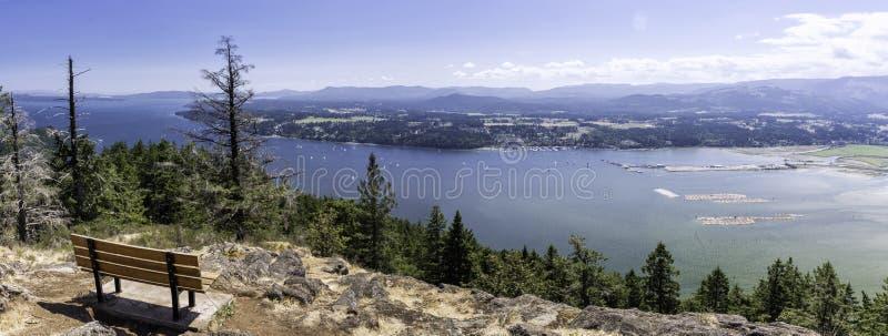 一次远足的全景视图在温哥华岛的 库存图片