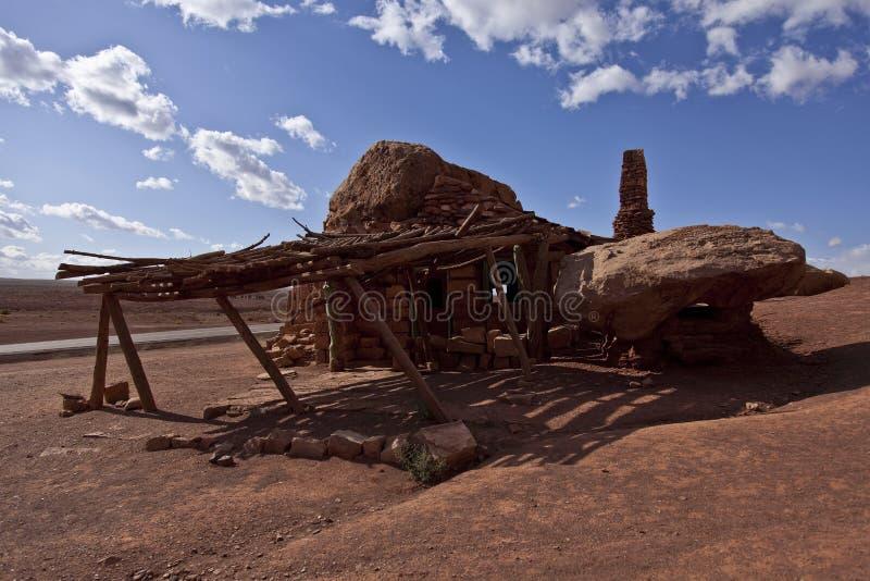 一次Blanche罗素生活银朱的峭壁高速公路的岩石房子 免版税库存照片